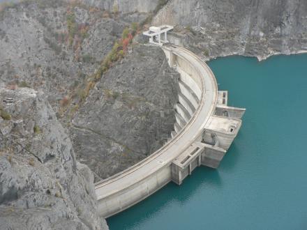 Non l'ouverture à la concurrence  des concessions hydrauliques!
